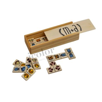 Interior de caja de dominó de primera comunión