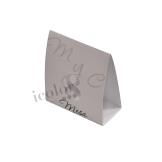 Marcador de mesa en papel iridiscente
